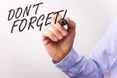 Het schrijven nota het tonen vergeet geen Motievenvraag De bedrijfsfoto's demonstratie herinnert Levensonderhoud in het Programma stock foto
