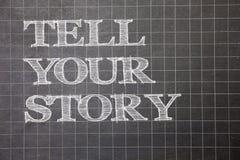 Het schrijven nota het tonen vertelt Uw Verhaal Bedrijfsfoto die uitdrukkend uw gevoel die schrijvend uw biografiegrafiek p verte stock fotografie
