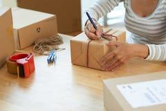 Het schrijven op giftbox stock fotografie