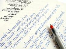 Het schrijven van de kalligrafie praktijk Stock Afbeeldingen
