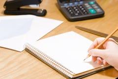 Het schrijven van een memorandum Royalty-vrije Stock Afbeelding