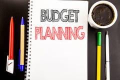 Het schrijven van tekst die Begroting Planning tonen Bedrijfsconcept voor het Financiële In de begroting opnemen Geschreven op he Royalty-vrije Stock Fotografie