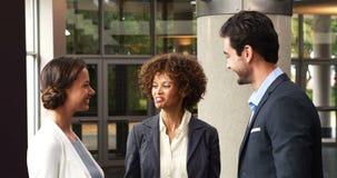 Het Schudden van Businesspeople Handen stock videobeelden