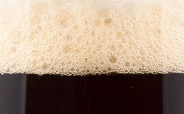 Het schuim van het bier, extreme close-up Stock Afbeeldingen