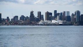 Het seizoen voor cruises in Alaska is achter, en zodat zijn zij ook terug in Vancouver stock footage
