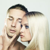 Het seksuele paar stellen Stock Foto's