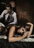 Het sexy jonge vrouw leggen Royalty-vrije Stock Foto's
