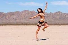 Het sexy vrouw springen royalty-vrije stock foto's