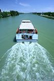 Het sightseeing van Boot op Rivier in Sevilla, Spanje Royalty-vrije Stock Foto