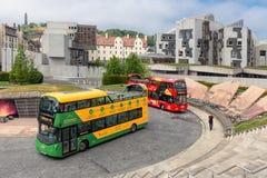 Het sightseeing van bussen voor de Dynamische Aarde Edinburgh van het wetenschapsmuseum royalty-vrije stock afbeeldingen