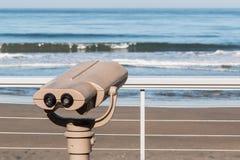 Het sightseeing van Verrekijkers op Observatiepunt in Solana Beach royalty-vrije stock afbeeldingen