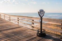 Het sightseeingsverrekijkers Met munten van Virginia Beach Stock Foto