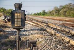 Het signaal van de spoorweglantaarn stock foto