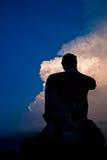 Het silhouet geruïneerde standbeeld van Boedha, Thailand Royalty-vrije Stock Afbeeldingen