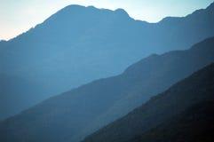 Het silhouet van de berg Royalty-vrije Stock Afbeeldingen
