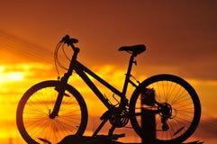 Het silhouet van de fiets Stock Afbeelding