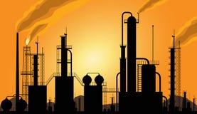 Het silhouet van de raffinaderij Stock Foto