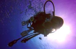 Het silhouet van de scuba-duiker Stock Afbeelding