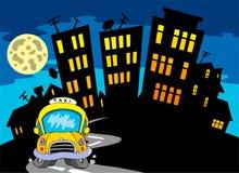 Het silhouet van de stad met taxi en Maan Stock Foto