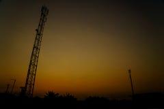 Het Silhouet van de uitzendingstoren Stock Afbeeldingen