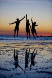 Het Silhouet van de vriendschap stock afbeeldingen