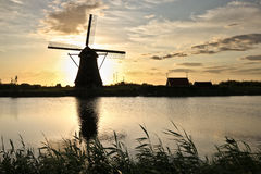 Het Silhouet van de windmolen royalty-vrije stock afbeeldingen