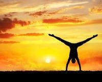 Het silhouet van de yogahandstand Royalty-vrije Stock Foto