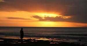 Het silhouet van de zonsondergang Royalty-vrije Stock Afbeeldingen