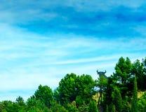 Het silhouet van een zwarte stier op de wegen van Spanje is recogniz stock foto's