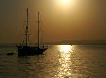 Het silhouet van het jacht stock afbeelding