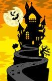 Het silhouet van het spookhuis op heuvel royalty-vrije stock fotografie