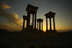 Het silhouet van Tetrapylons bij zonsondergang royalty-vrije stock afbeelding