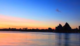 Het silhouet van zonsopgangsydney opera house Royalty-vrije Stock Foto's