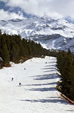 Het ski?en helling royalty-vrije stock foto's