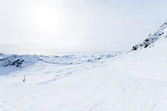 Het ski?en sporen op Paradiski-gebied, Frankrijk stock foto