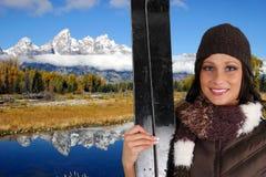 Het Ski?en van de vrouw royalty-vrije stock afbeeldingen