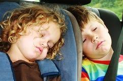 Het slapen van jonge geitjes Stock Foto