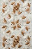 Het Slavische traditionele borduurwerk van het patroonornament door vlakke steek Ontwerp van etnische texturen Stock Fotografie