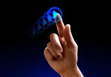 Het slepen van de hand op touchscreen stock afbeelding