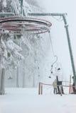 Het slepen van de ski Stock Fotografie