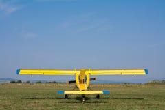 Het slepende vliegtuig van het zweefvliegtuig stock foto