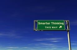 Het slimmere Denken - het Teken van de Uitgang van de Snelweg Stock Afbeeldingen