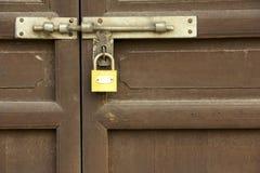 Het slot van de deur stock foto's