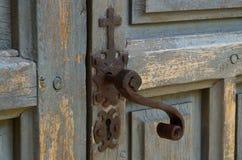 Het slot van de kerkdeur stock afbeelding