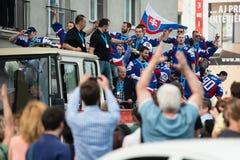 Het Slowaakse ijshockeyteam begroet met ventilators Stock Fotografie