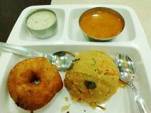 Het smakelijke zuiden Indische Ontbijt behandelt stock foto