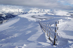 Het sneeuw Behandelde Landschap van de Berg Royalty-vrije Stock Fotografie