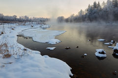 Het sneeuwblok op de rivier Royalty-vrije Stock Afbeelding