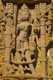 Het snijden details op buitenmuur van de Zontempel Gebouwd in 1026 - ADVERTENTIE 27 tijdens regeert van Bhima I van de Chaulukya- royalty-vrije stock foto's
