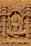 Het snijden details op buitenmuur van de Zontempel Gebouwd in 1026 - ADVERTENTIE 27 tijdens regeert van Bhima I van de Chaulukya- stock foto's